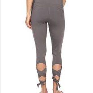 6999316365 Manduka Pants | Nwt Flux Legging In Thunder Grey | Poshmark